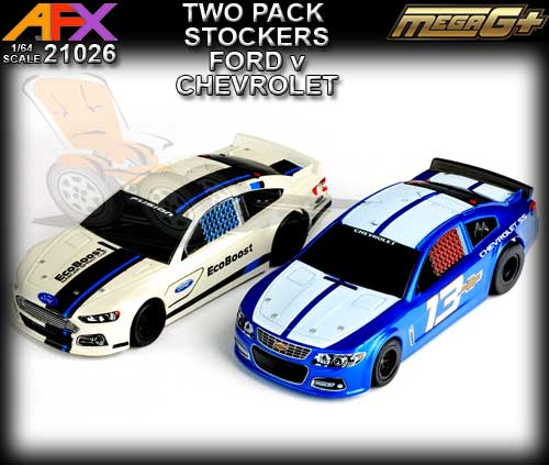 AFX HO 21026 - 2 x Stocker - Chevrolet SS #13 and Ford EcoBoost