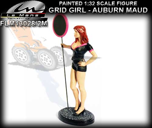 LE MANS MINIATURES FLM132028/2M - Grid Girl - Maud with sign